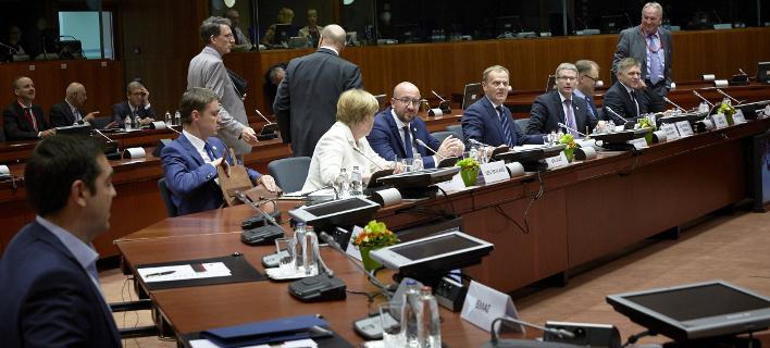 Το μενού της Συνόδου Κορυφής: Κοτόπουλο, φρούτα και σορμπέ είχε ετοιμάσει ο Ντόναλτ Τουσκ για τους ηγέτες
