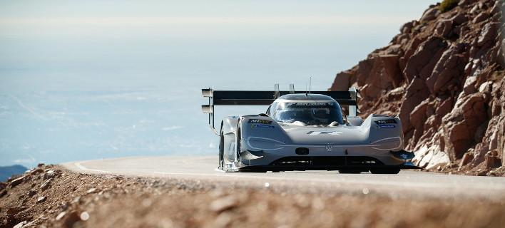 Η Volkswagen έγραψε ιστορία με το I.D. R Pikes Peak, επιτυγχάνοντας ρεκόρ όλων των εποχών