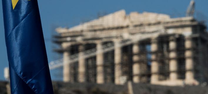 Πώς σχολίασαν τα διεθνή ΜΜΕ την άρση του waiver για τα ελληνικά ομόλογα