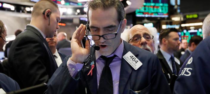 Σε τεντωμένο σχοινί η Wall Street υπό το φόβο νέου shutdown / Φωτογραφία: AP Images
