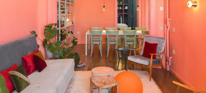 Το Waterfront Nikis Apartment (Φωτογραφία: Airbnb)