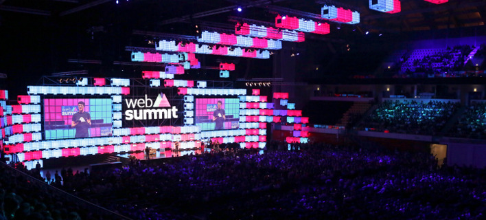 Στιγμιότυπο από την περσινή, 1η έκθεση Web Summit, που πραγματοποιήθηκε στη Λισαβώνα/Φωτογραφία: AP/Armando Franca