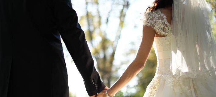 Ιερείς «μαϊμού» πάντρευαν ζευγάρια σε κτήμα της Βαρυμπόμπης -Ακυροι οι γάμοι τους