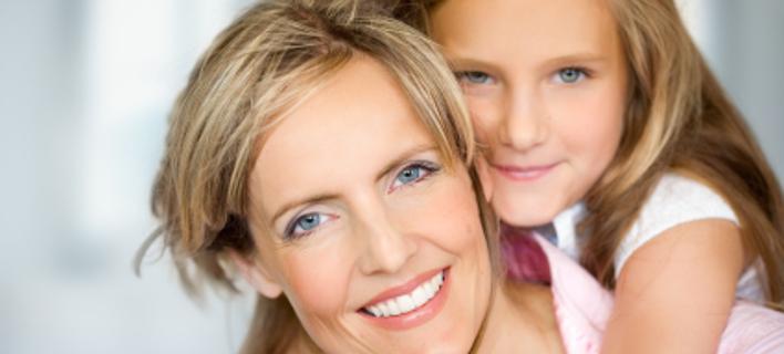 Πιο... νέες στα γεράματα οι γυναίκες που κάνουν το τελευταίο παιδί τους μετά τα 35