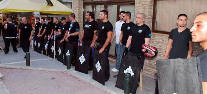 «Τραμπούκοι νεοναζιστές της Χρυσής Αυγής επιτέθηκαν σε μέλη της ΚΝΕ» καταγγέλει