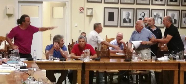 Ενταση στο δημοτικό συμβούλιο Χανίων για την μετονομασία οδού σε «Κωνσταντίνου Μητσοτακη» -Φωτογραφία: zarpanews.gr