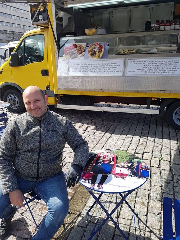 Τα Χανία πήγαν... Φινλανδία. Δαιμόνιος Κρητικός έκανε τους ντόπιους να παραμιλάνε! (Photos)