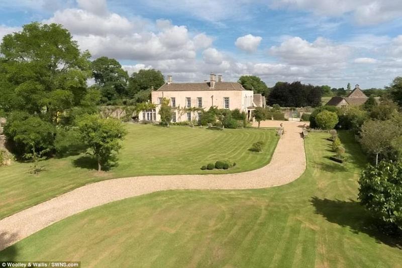 Αυτό είναι το παλάτι που θα μείνει ο πρίγκιπας Χάρι και η Μέγκαν Μαρκλ