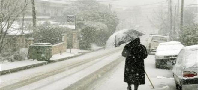 Χιονιάς και στην Αττική: Κάθετη πτώση της θερμοκρασίας με ενισχυμένους βοριάδες