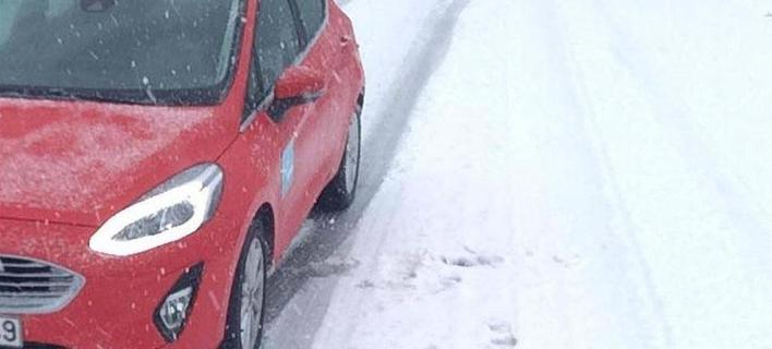 Σφοδρή χιονόπτωση στη Χαλκιδική- Πού χρειάζονται αντιολισθητικές αλυσίδες [βίντεο]