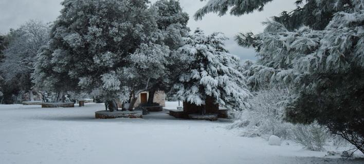 Σε κλοιό χιονιά η χώρα -Στον πάγο η Αττική