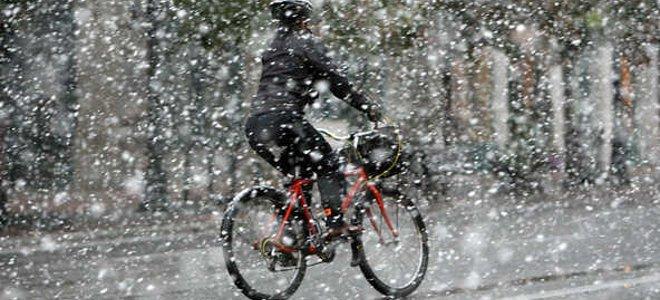 Κάθετη πτώση της θερμοκρασίας με ισχυρές καταιγίδες και πρόσκαιρες χιονοπτώσεις