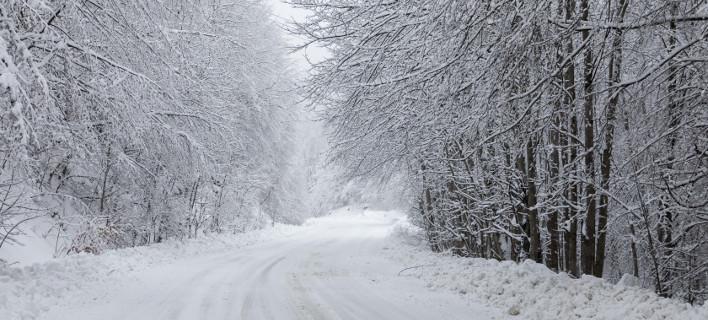 Στην κατάψυξη όλη η χώρα - Πτώση της θερμοκρασίας, χιόνια και καταιγίδες