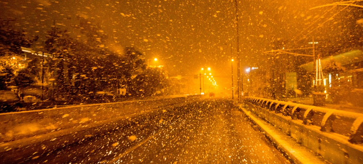 Χιονίζει απόψε στην Κηφισιά /Φωτογραφία: Eurokinissi