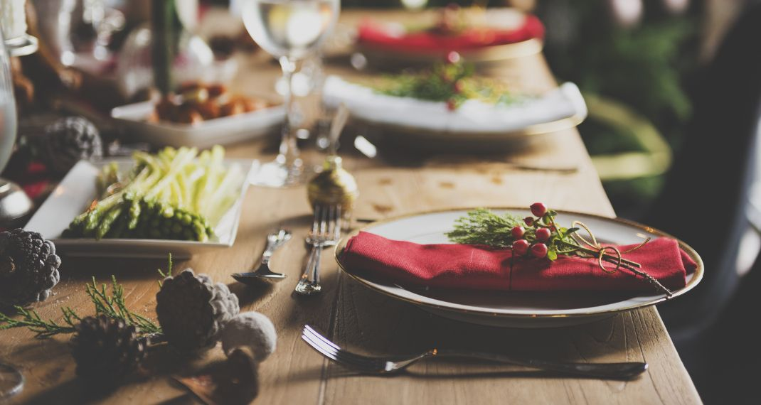 Εορταστικό τραπέζι, Φωτογραφία: Shutterstock/By Rawpixel.com