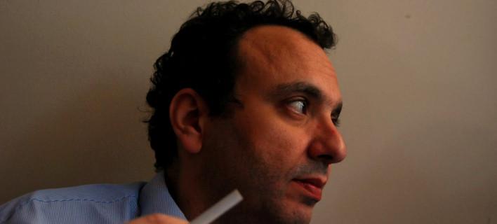 Χωμενίδης, Τατσόπουλος, Χειμωνάς, «στολίζουν» τον γραμματέα Νεολαίας του ΣΥΡΙΖΑ για τους διορισμούς