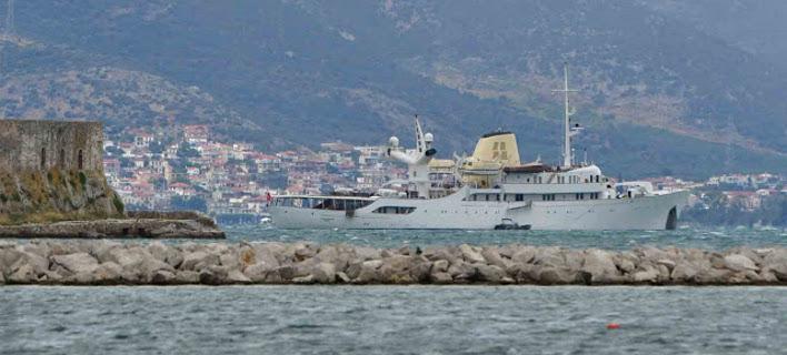 Στο Ναύπλιο η θρυλική θαλαμηγός «Χριστίνα» του Αριστοτέλη Ωνάση [εικόνες & βίντεο]