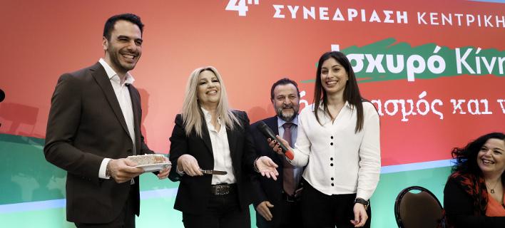 Ο γραμματέας της ΚΕ του ΚΙΝΑΛ Μανώλης Χριστοδουλάκης (αριστερά) με την Φώφη Γεννηματά, τον Β. Κεγκέρογλου -Φωτογραφία: Intimenews/ΛΙΑΚΟΣ ΓΙΑΝΝΗΣ