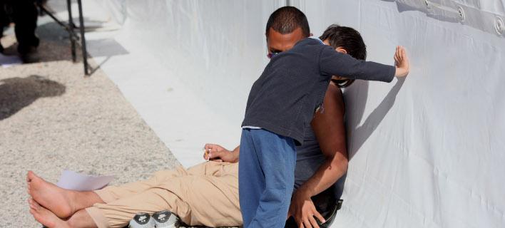 Γερμανία: Νεαροί επιτέθηκαν με μαχαίρι σε τρία προσφυγόπουλα -Φώναζαν ακροδεξιά συνθήματα