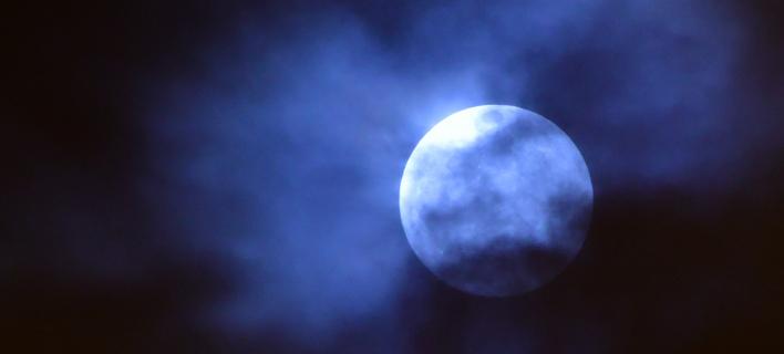 Το φεγγάρι ανατέλλει ολόγιομο πάνω από το Ναύπλιο -Φωτογραφίες: ΑΠΕ-ΜΠΕ/ΜΠΟΥΓΙΩΤΗΣ ΕΥΑΓΓΕΛΟΣ