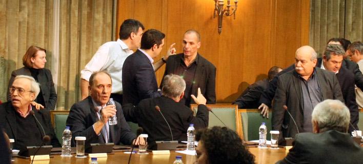 Θύελλα: Ομολογούν ότι συζητούσαν στο υπουργικό παράλληλο σύστημα πληρωμών