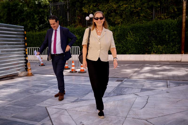 Η νέα υπoυργός Διοικητικής Μεταρρύθμισης Μαριλίζα Ξενογιαννακοπούλου στο πρώτο της Υπουργικό- φωτογραφία eurokinissi