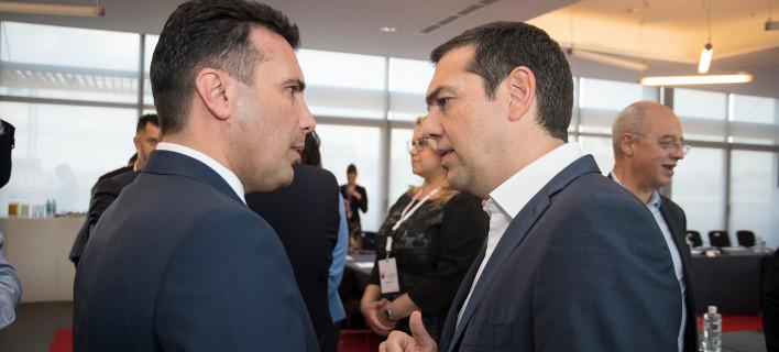 Σε τροχιά συμφωνίας για το Σκοπιανό: Σε εξέλιξη τώρα το τετ α τετ Τσίπρα-Ζάεφ, στη Σόφια