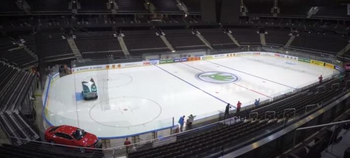 Απίθανο βίντεο  Το γήπεδο της Ζαλγκίρις μετατρέπεται από... παγοδρόμιο ξανά  σε παρκέ 92a6998cdd1