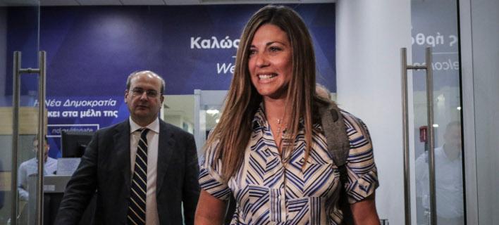 Θρίλερ: Αστυνομικοί πήγαν στα γραφεία της ΝΔ για να συλλάβουν την εκπρόσωπο Σοφία Ζαχαράκη