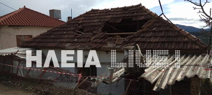 Βράχοι έπεσαν πάνω σε σπίτι (Φωτογραφία: ilialive)