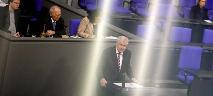 Ο Γερμανός υπουργός Εσωτερικών, Χορστ Ζέεχοφερ/ Φωτογραφία: AP