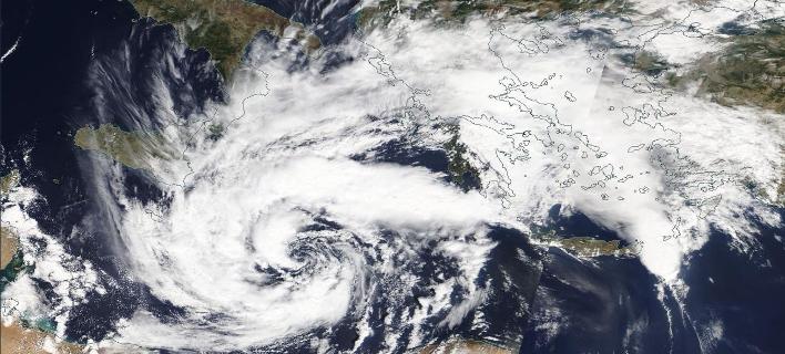 O κυκλώνας Ζορμπάς από ψηλά