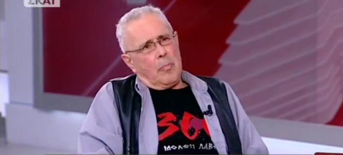 Ζουράρις με μπλουζάκι «μολών λαβέ»: Εχουμε πόλεμο με τους κοπραγωγούς Αλεμανούς [βίντεο]
