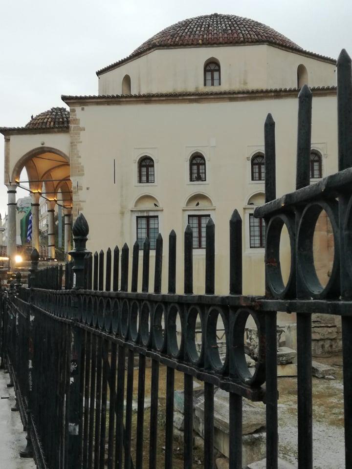 Τζαμί με κάγκελα