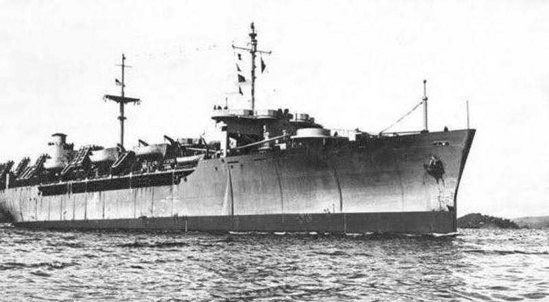 Το Ourang Medan έπιασε φωτιά μυστηριωδώς και εξερράγη λίγο μετά τον εντοπισμό του από δύο αμερικανικά σκάφη.