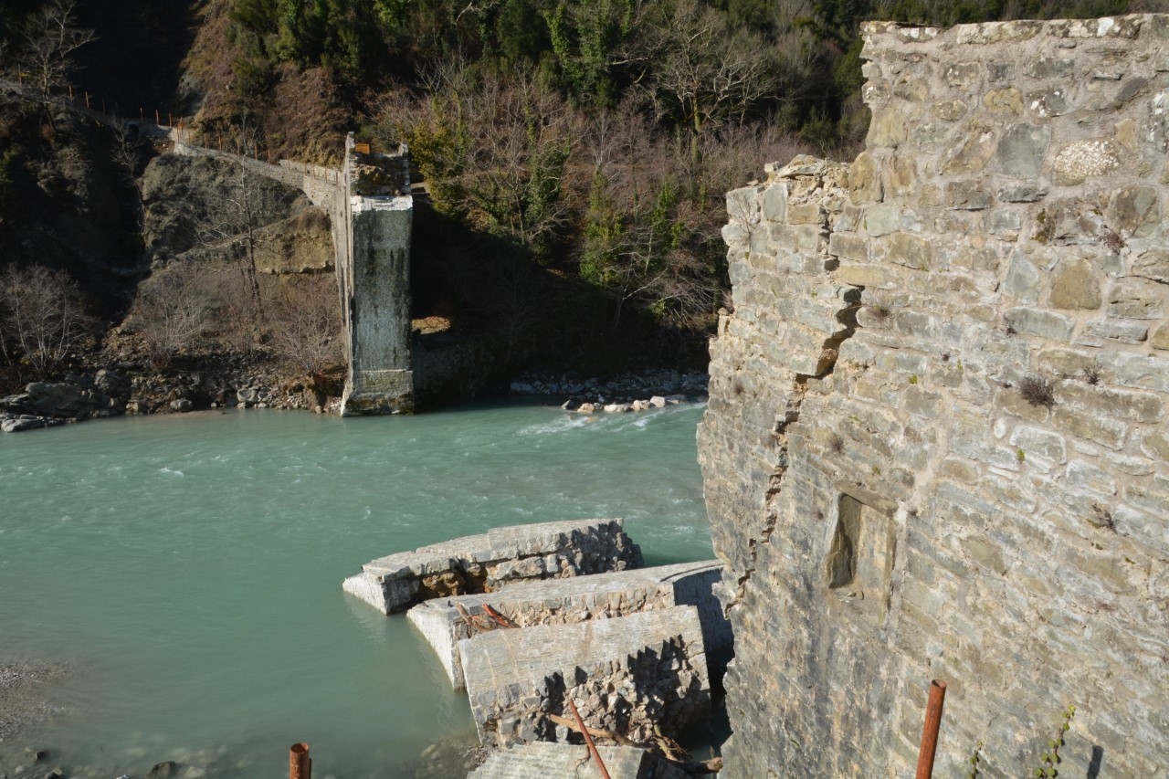 γεφυρι καταστροφη
