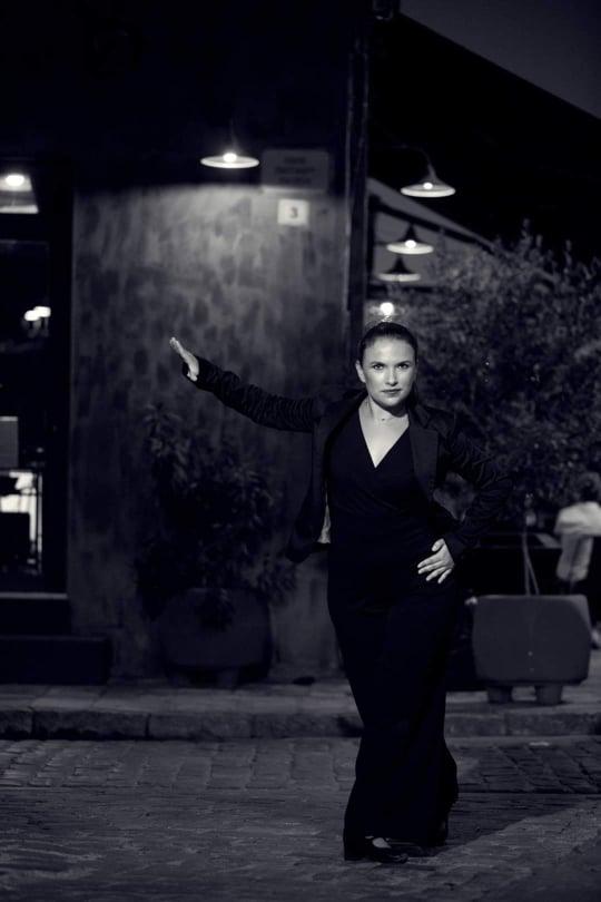 χορευτρια