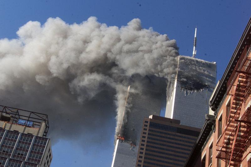 Οι δίδυμοι πύργοι μετά την επίθεση με τα αεροπλάνα
