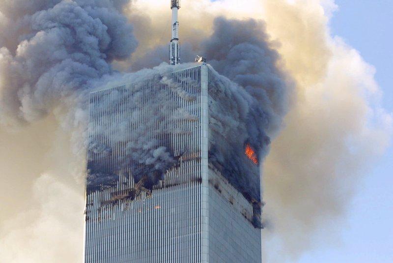 Δίδυμοι πύργοι στις φλόγες