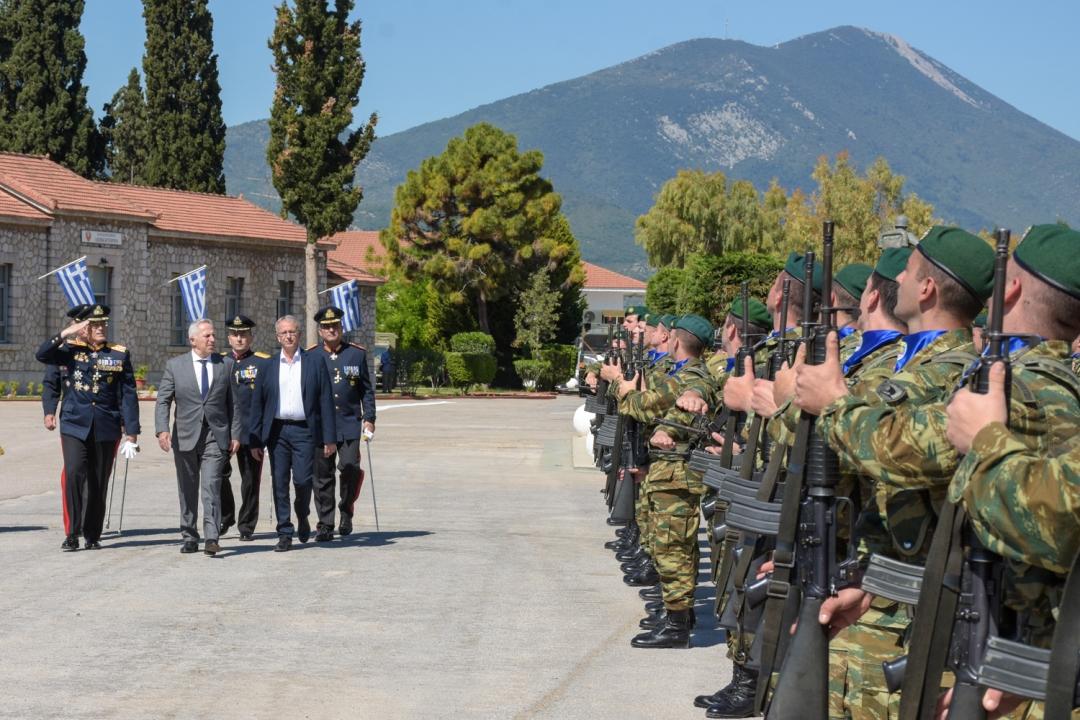 Ο Υπουργός Εθνικής Άμυνας επισκέφθηκε τη Σχολή Πεζικού, στη Χαλκίδα
