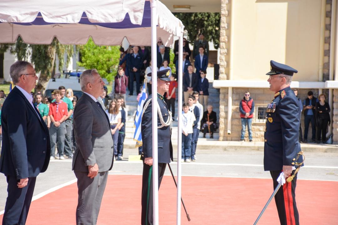 Ο Ευάγγελος Αποστολάκης στη Σχολή Πεζικού, στη Χαλκίδα για τον εορτασμό του Προστάτη του Στρατού Ξηράς, Αγίου Γεωργίου