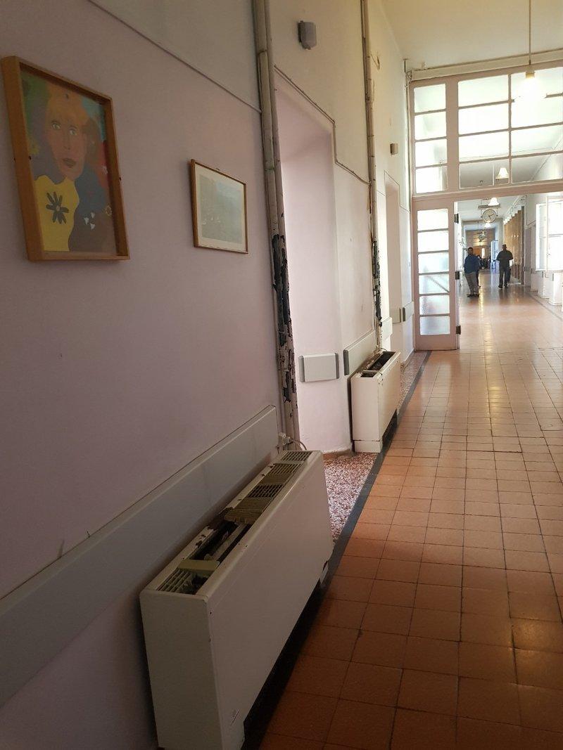 Σκουριασμένο κλιματιστικό σε νοσοκομείο