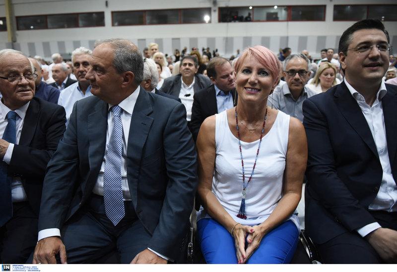 Ο πρώην πρωθυπουργός Κώστας Καραμανλής, με τη σύζυγό του Νατάσσα Παζαΐτη