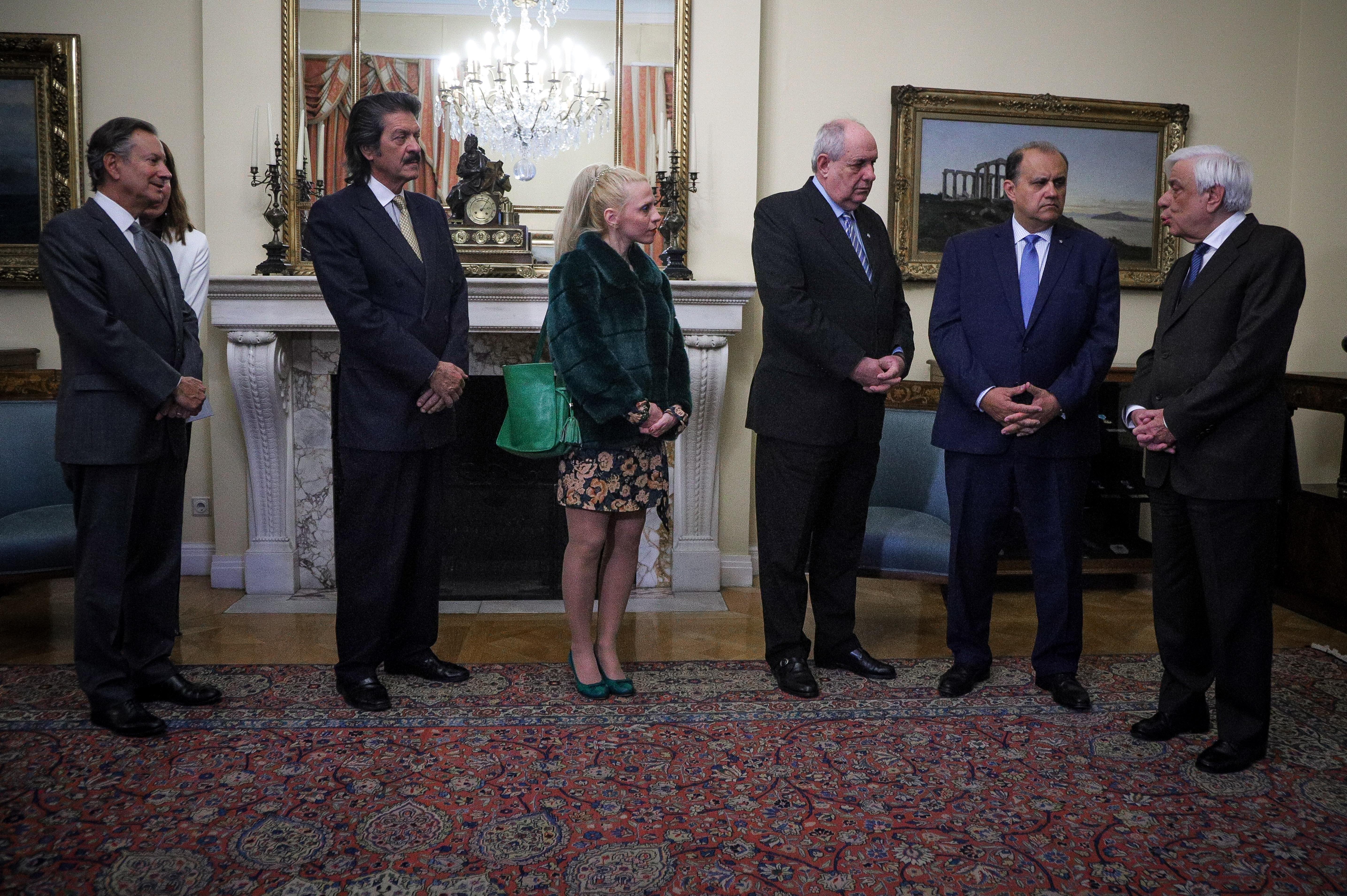 Συνάντηση του Προέδρου της Δημοκρατίας Προκόπη Παυλόπουλου, με Αντιπροσωπεία του Ελληνοαμερικανικού Ινστιτούτου (American Hellenic Institut) στα πλαίσια της ετήσιας επίσκεψής της στην Ελλάδα, με επικεφαλής τον Πρόεδρο και Γενικό Διευθυντή Nick Larigakis.