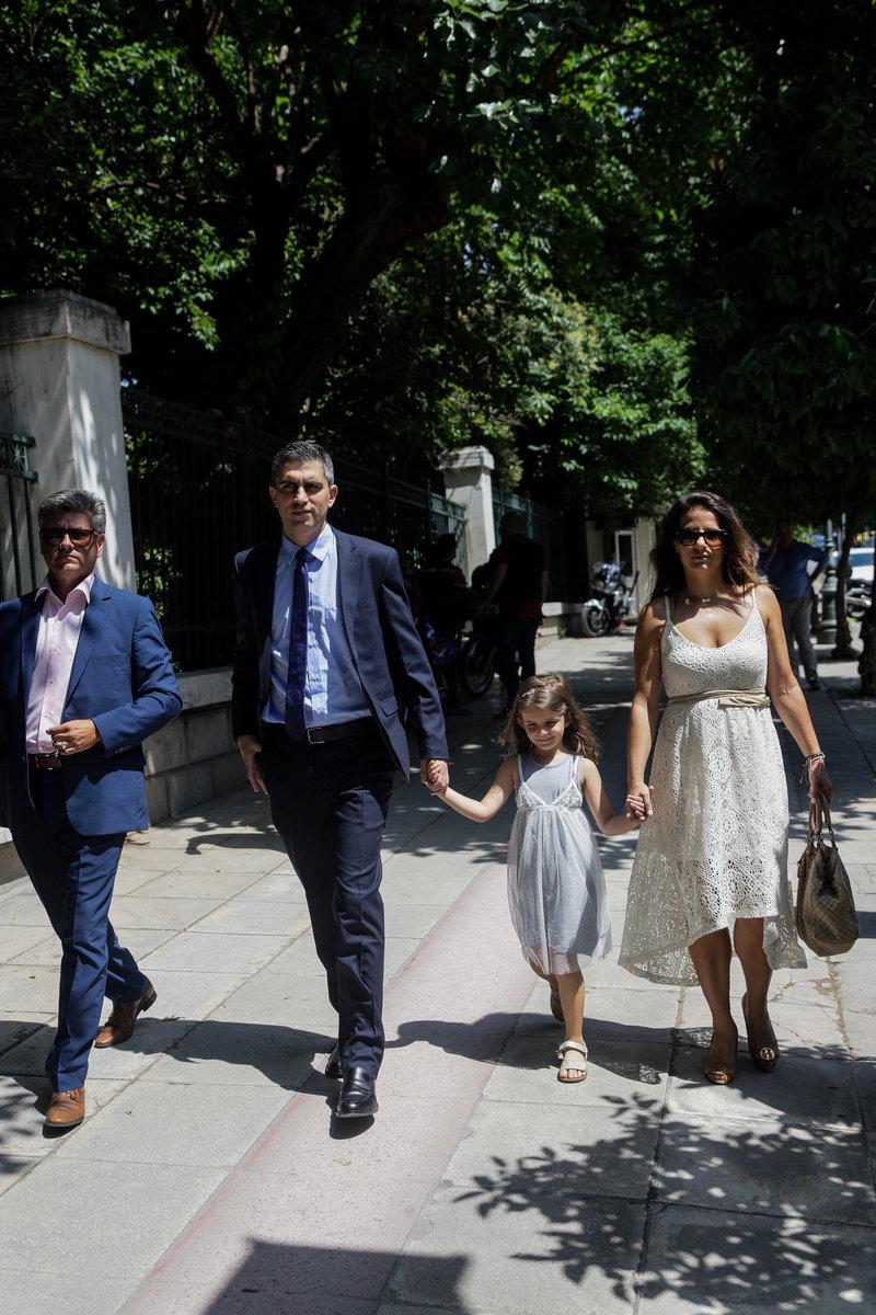 Ο υφυπουργός Ανάπτυξης Χρίστος Δήμας με την οικογένειά του