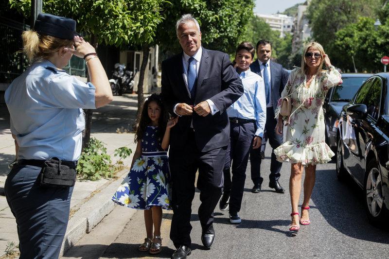 Ο Μάκης Βορίδης με την οικογένειά του