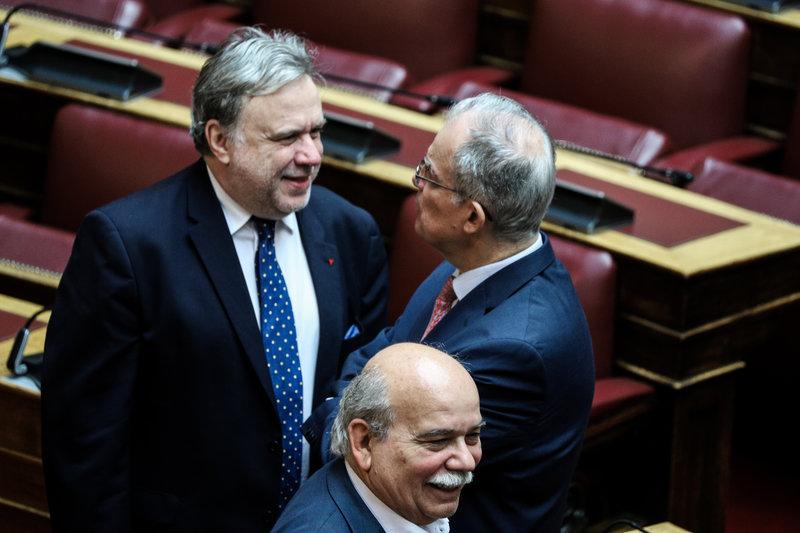 Κατρούγκαλος Τασούλας στη Βουλή
