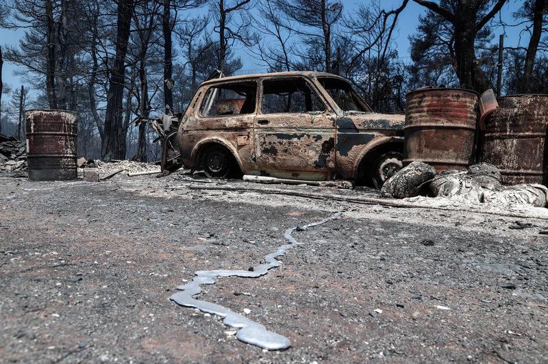 Καμένο αυτοκίνητο στην Εύβοια