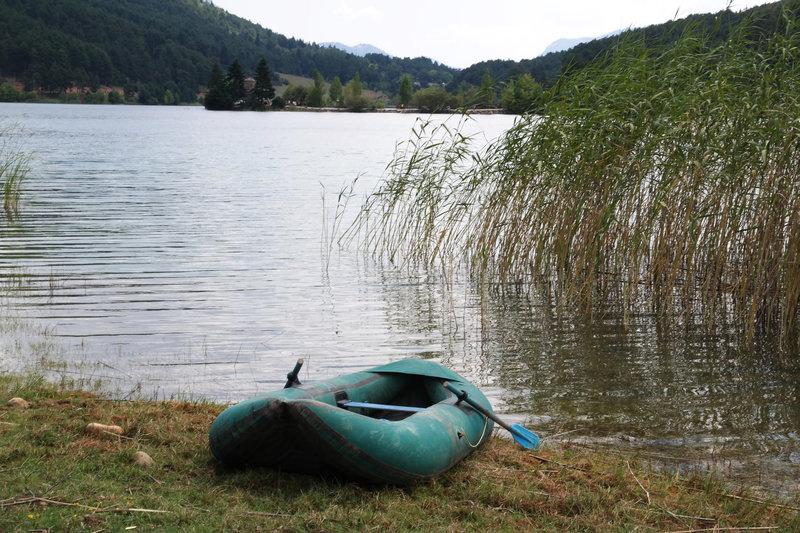 κανο στη λίμνη