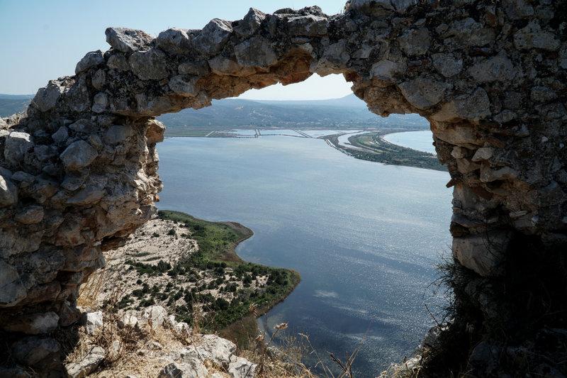 σπηλια θαλασσα